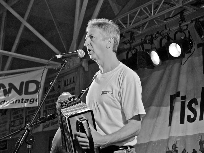 Jim Payne, en spectacle au Fun, Fish and Folk de Twillingate, 25 juillet 2009. Photo : Jacinthe Tremblay