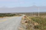 Sur la route qui mène à St.Shotts,  seuls des poteaux électriques laissent deviner un village